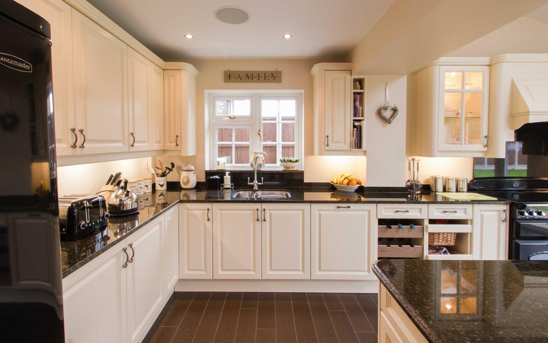 Little Cambridge Kitchen Design | Bespoke Kitchens |  Transforminteriors.co.uk